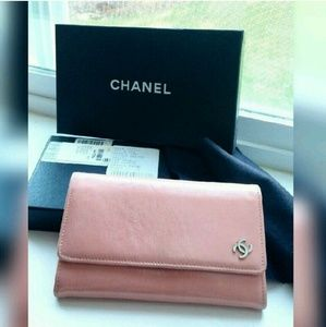 Auth CHANEL Bifold Clutch/Wallet